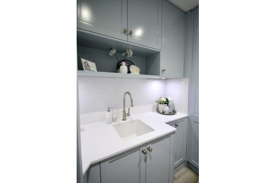 Cuisine 46 x 46 Inset / Undermount Fine Fireclay Sink